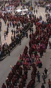 Downtown La Protests >> www.agp.org | archivos de los protestos globales: October 12: Day of Indigenous Resistance